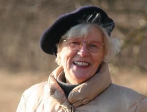 Vieille femme souriante